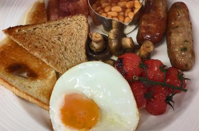 English Breakfast at Lytton Restaurant